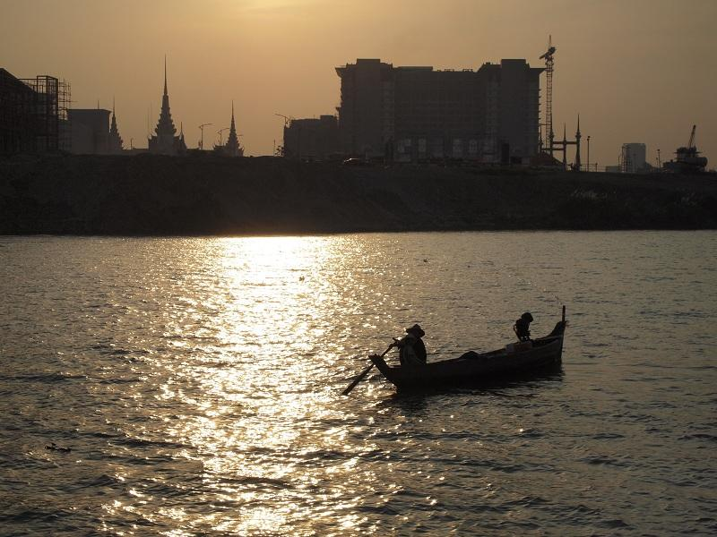 bateau soleil couchant