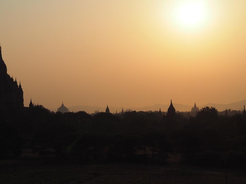 sunset-Shwe-Leik-Too