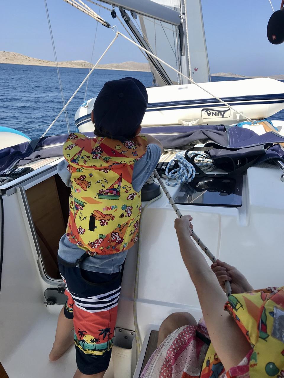 en voilier avec enfants